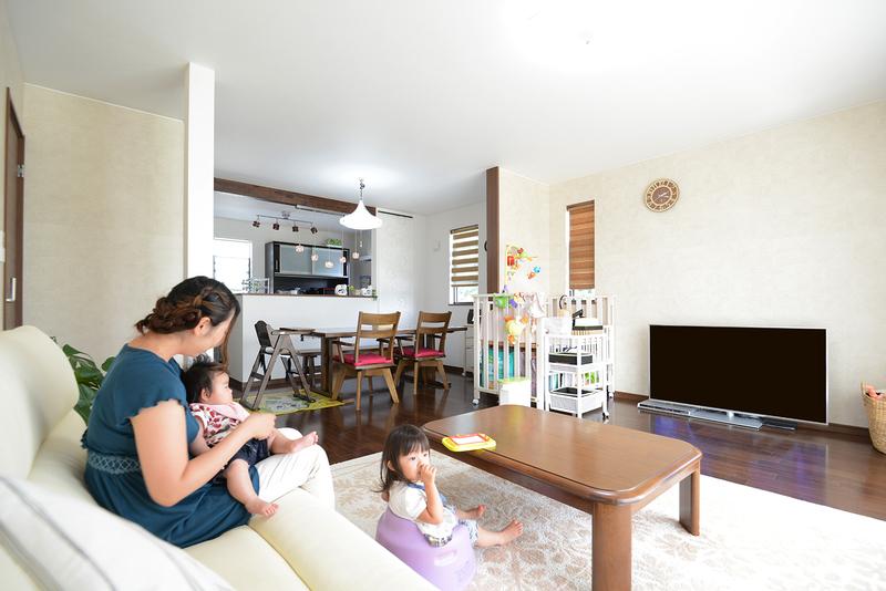 家族みんなが安らげる、家事動線の良い明るい住まい